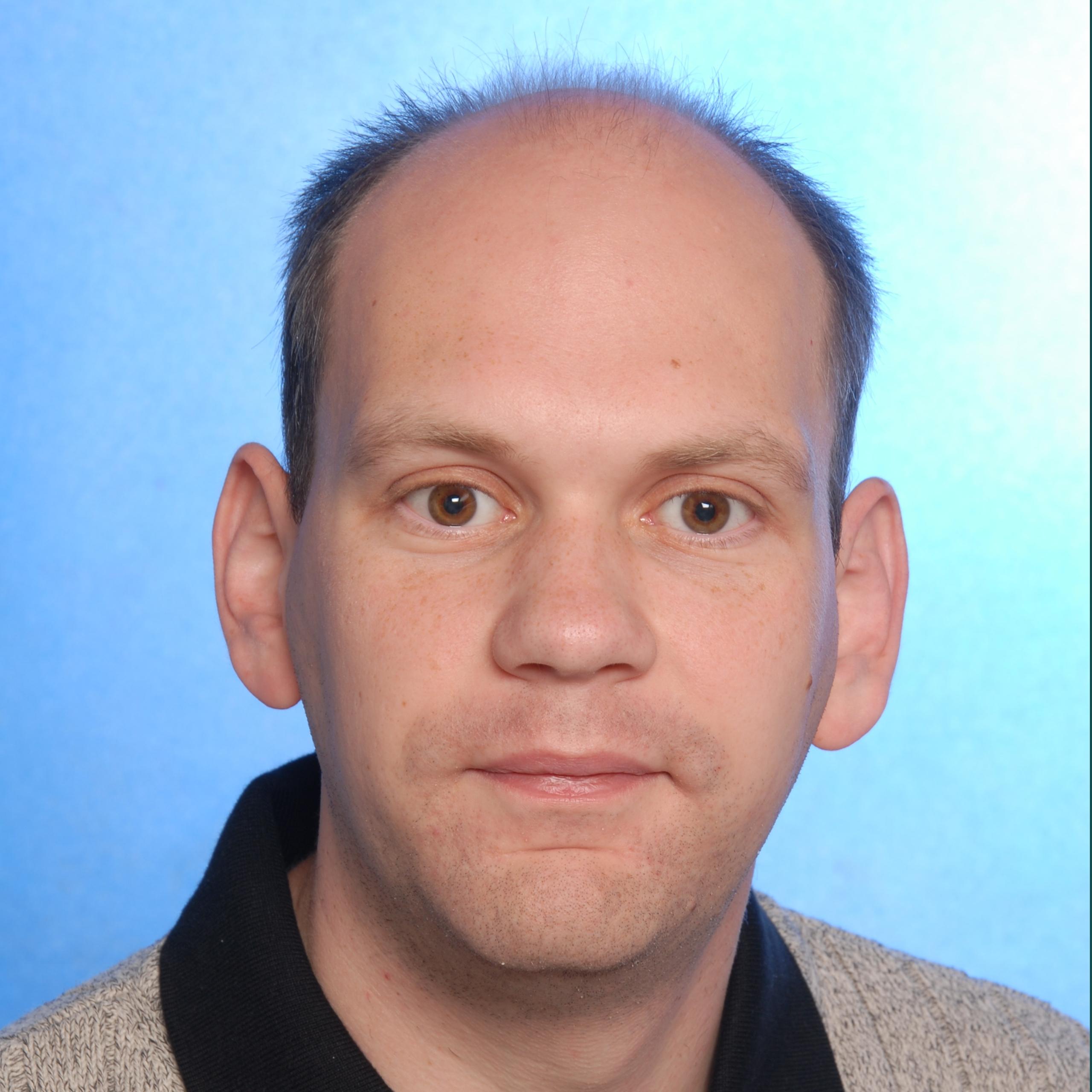 Dr. Aleksander Pavkovic